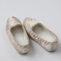 1/3 BROCADE ANCIENT CHINESE GIRL SHOES