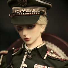 74cm Military uniform : green/Qine Yu